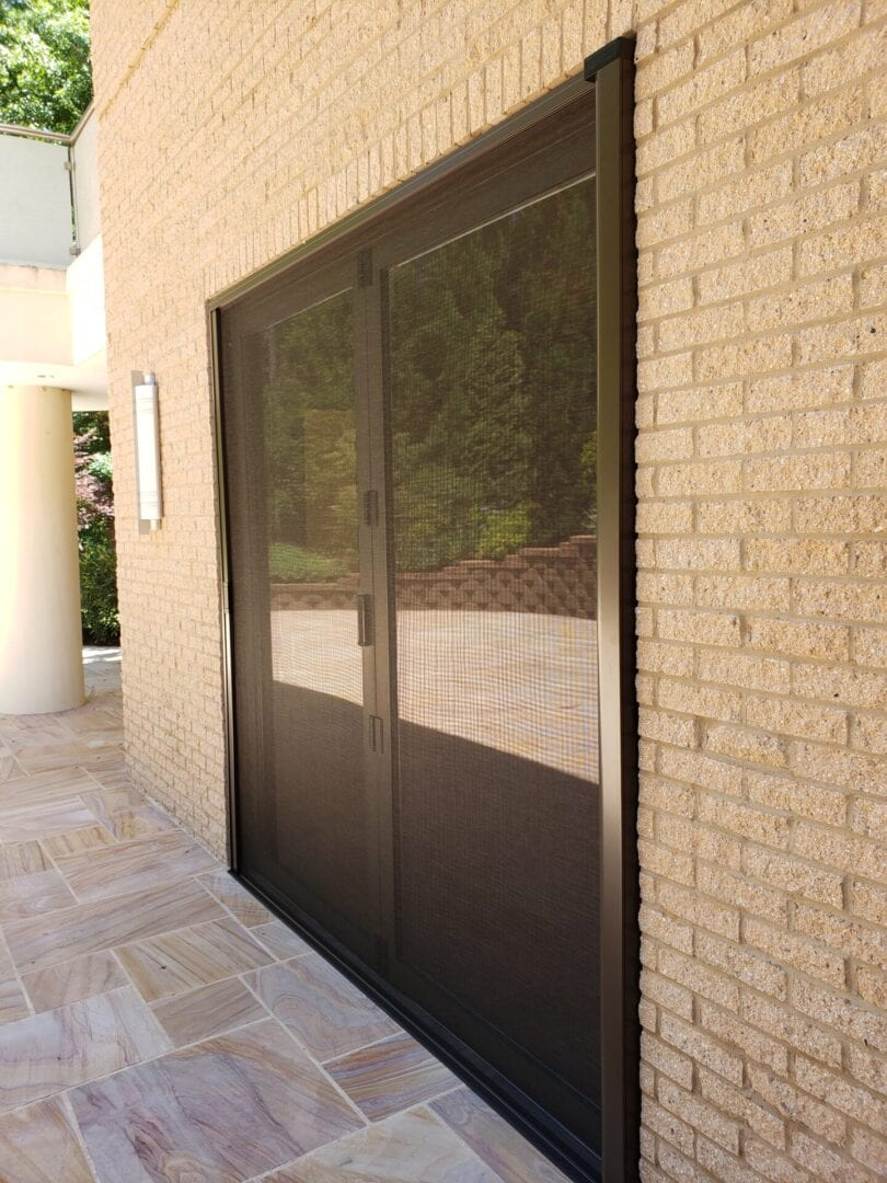 retractable door screen
